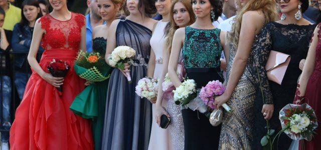 Красивите абитуриенти на Благоевград  – випуск 2016